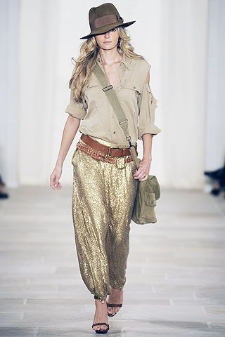 Love the whole safari look esp the gold sequened pants. Definitely want
