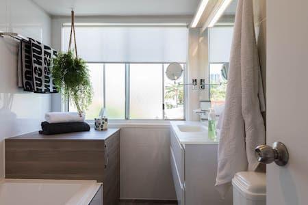 Edit Photos for 'Beautiful, Villa on Chevron Surfers Paradise' - Airbnb