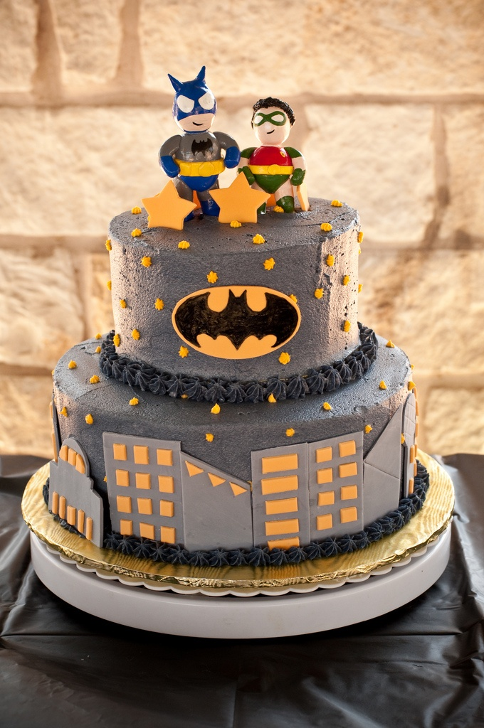 104 Best Images About Batman Cake Ideas On Pinterest