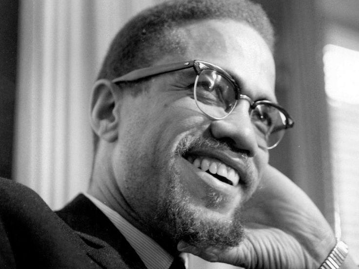 Malcom X,  attivista per i diritti degli afroamericani, ucciso a New York il 21 febbraio 1965