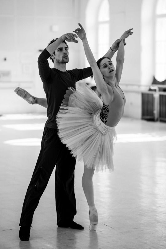 Marianela Nuñez and Stéphane Bullion in Swan Lake rehearsal at Vienna State Ballet  Photo © Ashley Taylor