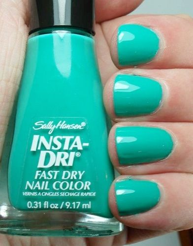 This is the BEST color on me! I can almost throw out all of my other polish | Sally Hansen Insta-Dri in Mint Sprint