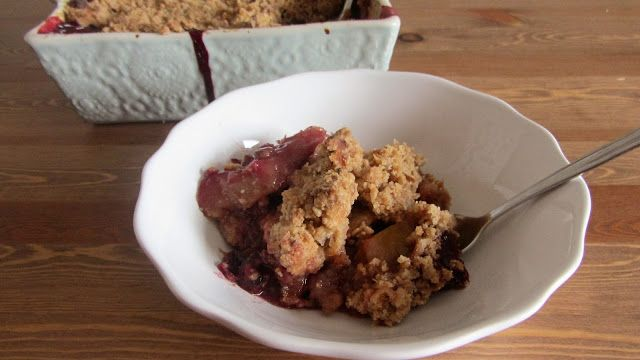 A Casinha das Bolachas: Crumble de Frutas ( Ameixa, Maçã e Mirtilo)