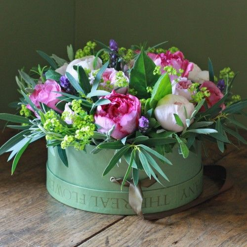~The Real Flower Company Scented Summer Hat Box Arrangement