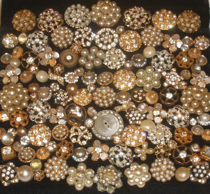 BEAUTIFUL ~ 125 VINTAGE & ANTIQUE PEARL & RHINESTONE BUTTONS
