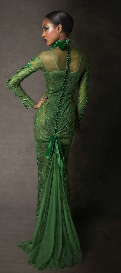 TOM FORD - such a rich moss tone >3 Any form of backless is so-in right now and fishtails never goes out of fashion. Fab! Fab! Fab!