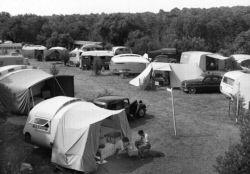 Vaux-sur-Mer (Charente-Maritime). Le terrain de camping, vers 1955.
