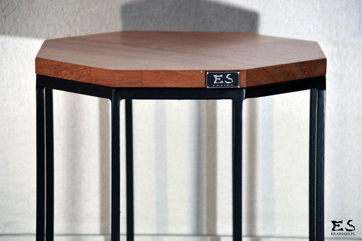 Handcrafted table, painted in black matt steel, with smooth polished sapeli top; minimal style, minimalistyczny stolik kawowy z blatem wykonanym w sapeli, lakierowanym bezbarwnie, Annette, Kraina ES #coffeetable, #smalltable, #woodtable, #metaltable, #irontable, #minimalism, #table;