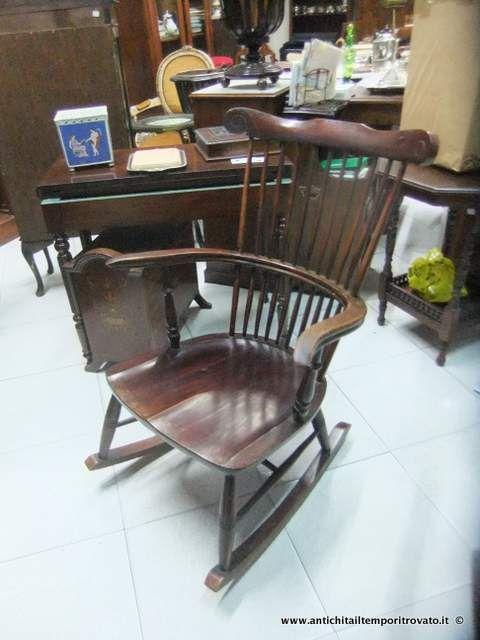 Mobili antichi - Poltrone e poltroncine - Antica sedia a dondolo Vecchia sedia a dondolo - Immagine n°1