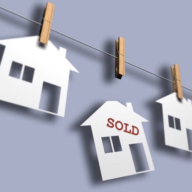 I love working with my clients to achieve the best sold price for their home. It's as simple as that. So if you're looking to sell, or know someone who is, get the best team on your side and give me a call so we can get your property sold! #marnieseinor #property #realestateagent #rea #propertyprices #soldproperty #soldprices #sydneyproperty #sydneyhomes #maroubra #matraville #coogee #bondi #bondibeach #sydneyhouses