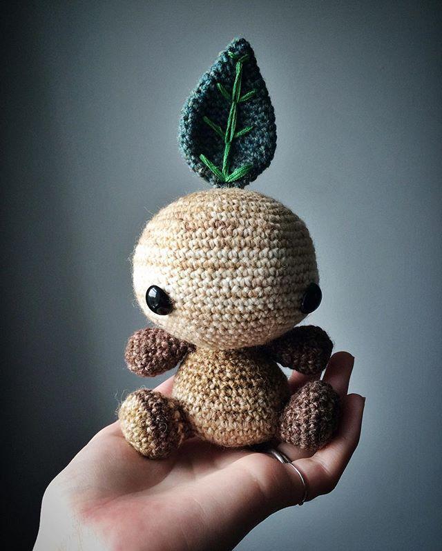 #tbt Mandragora cuteness   #throwback #throwbackthursday #mandragora #mandrake #root #magic #magick #fae #faeire #fairy #folk #folklore #mythical #mythology #herb #herbal #crochet #amigurumi #toy #toymaker #crochettoy #crochetaddict #crochetersofinstagram #etsy #smallbusiness #etsyshop #etsyseller #thestitchtower
