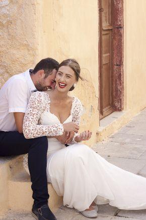 Santorini Honeymoon Photography #santoriniphotographer #santoriniweddingphotography