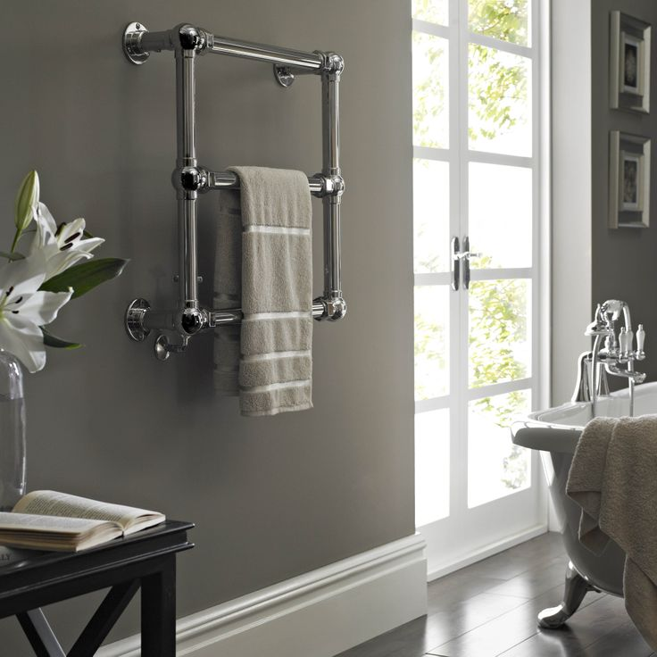 Vogue Grandeur Wall Mounted Heated Towel Rail