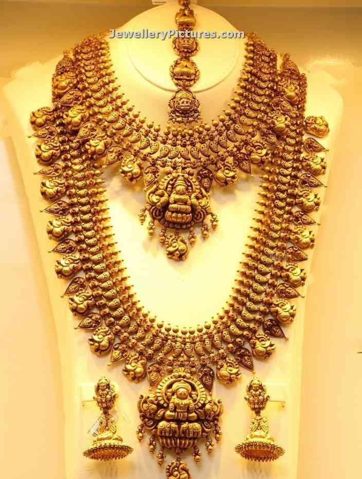 temple-jewellery-haram-necklace-by-joyalukkas.jpg (704×932)