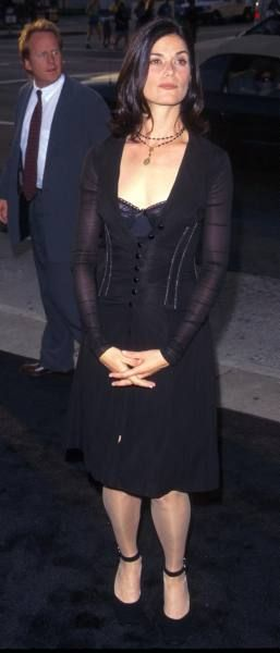 "Linda Fiorentino at premiere of film ""Men In Black"". (June 25, 1997)"