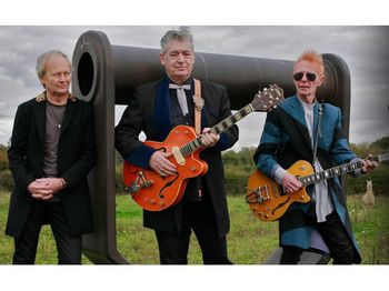 ♫'''Chris Spedding (Sharks formed in late 1972 to showcase material by ex-Free bass player the late Andy Fraser. The band consisted of Andy, Canadian drummer Marty Simon, acclaimed guitarist, Chris Spedding and a young singer songwriter Chris