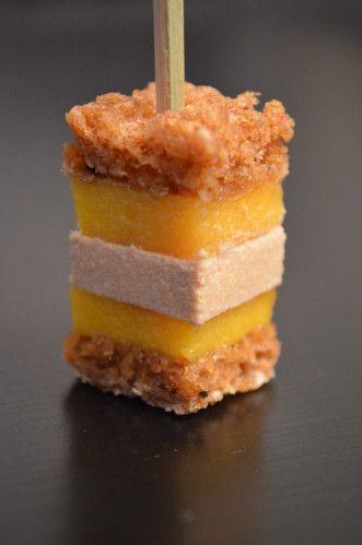 Sucettes foie gras/pain d'épice/mangue