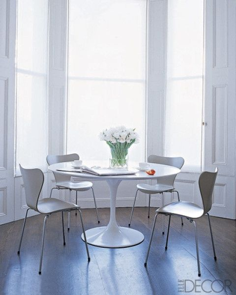 When we think of design classics, a few things come to mind, but none more than the Saarinen table. Designed by Eero Saarinen, this table, which started as a dining table but has since, thanks to its daring, effortless design,has been made into end tables, side tables, and various shapes and sizes, works with literally.any.design.style. No, …