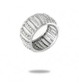 0.84 CT Diamond Ring In 18k White Gold