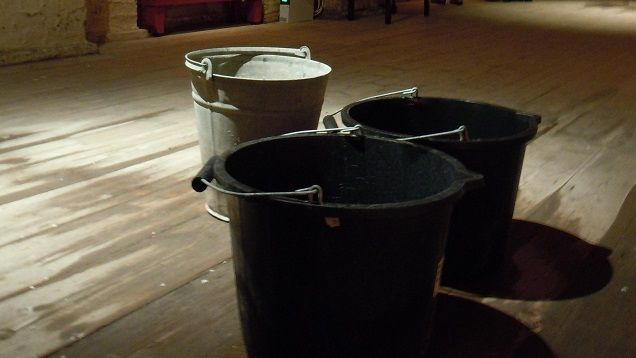 from lifehacker: Remove Fresh Paint Fumes with Buckets of Water