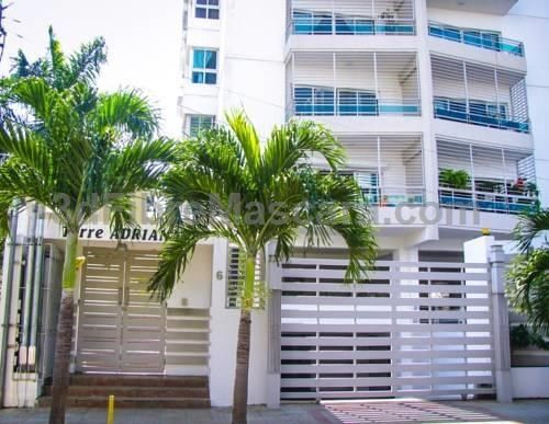 Asia Santo Domingo Asia offers accommodation in Santo Domingo, 900 metres from Centro Internacional de Cirugia Avanzada. Guests benefit from free WiFi and private parking available on site. Blue Mall is 1.1 km from Asia, while Agora Mall is 2.1 km away.