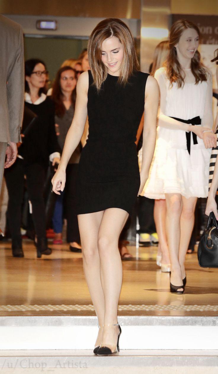Emma Watson, la brujita más bella, súper linda con este vestido negro casual!