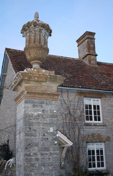 A friend of mine lives in this old English house