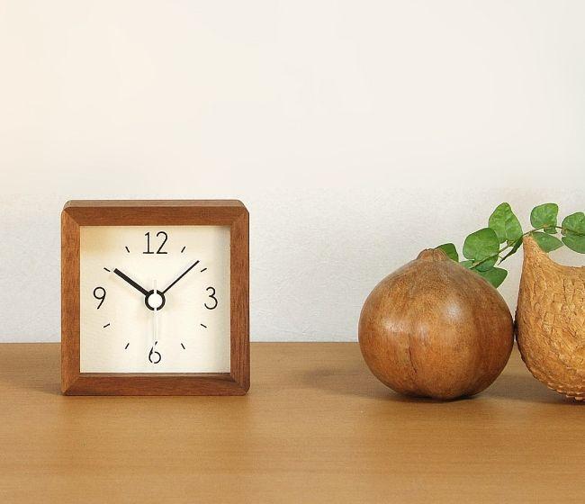 La Luz(ラ・ルース)アラームクロック 木製 時計 置時計 アラーム 目覚まし時計