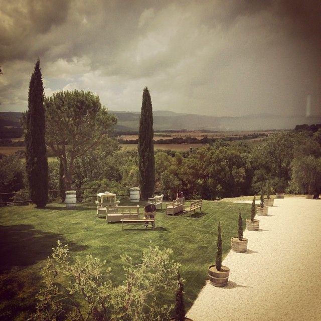 "@tuscandream1's photo: ""#country #chic #vineyardwedding #tuscany #maremma #tuscandream #carolinaplanner"""