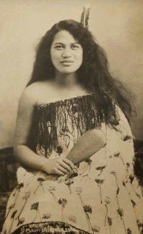 New Zealand, Maori woman