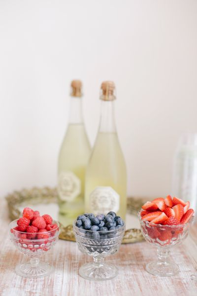 Champagne bar: http://www.stylemepretty.com/2013/08/23/watercolor-inspired-bridal-shower-from-annabella-charles-photography/ | Photography: Annabella Charles - http://www.annabellacharlesblog.com/