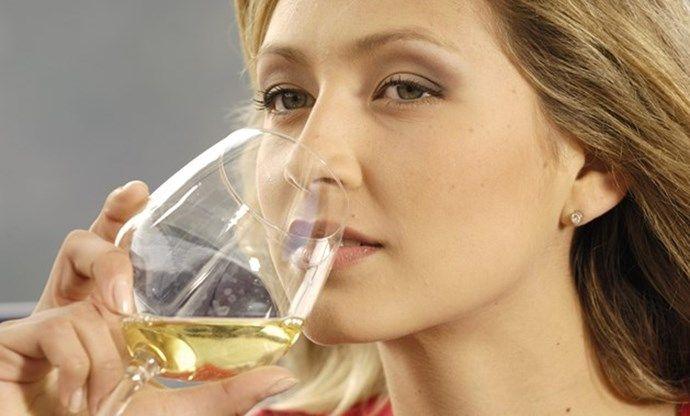 Zo veel calorieën zitten er in één glas alcohol - Het Nieuwsblad: http://www.nieuwsblad.be/cnt/dmf20150430_01657820