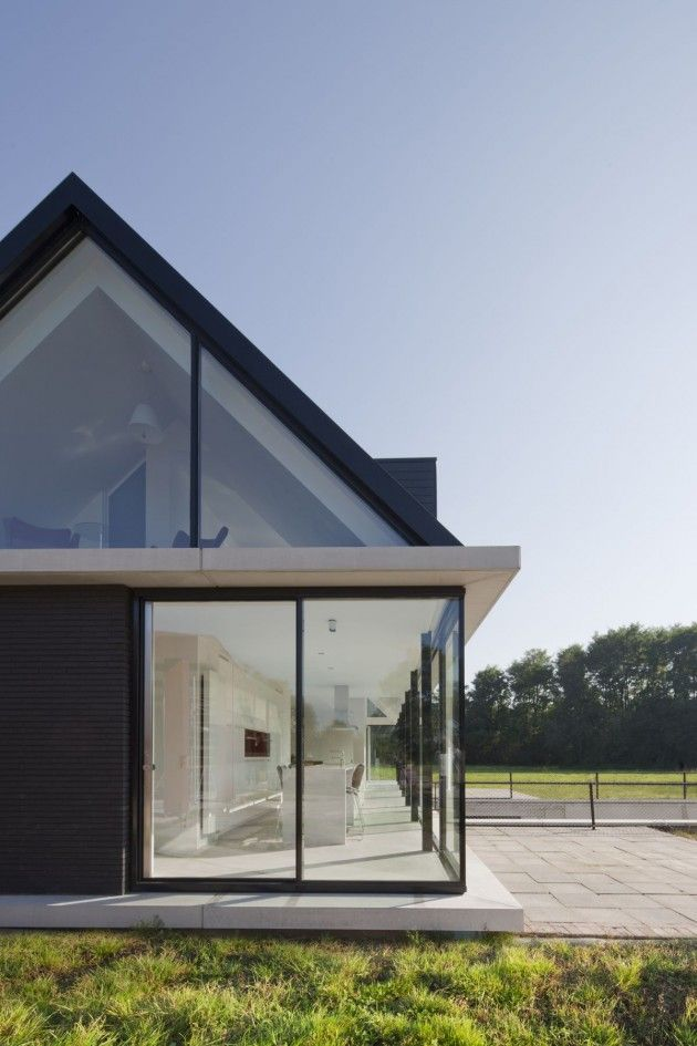 Hofman Dujardin Architects have designed the Villa Geldrop in The Netherlands