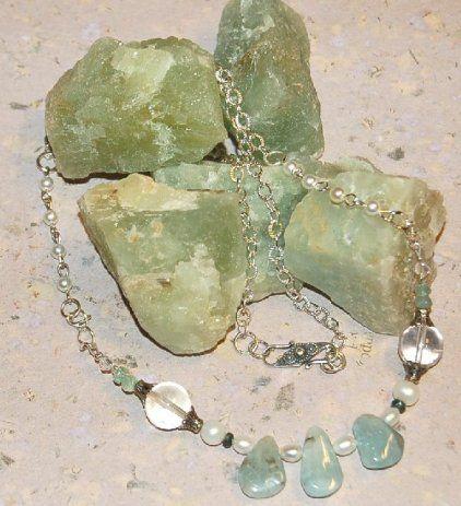 Akvamarin + safirer och Bergkristall, med silver lås från Bali