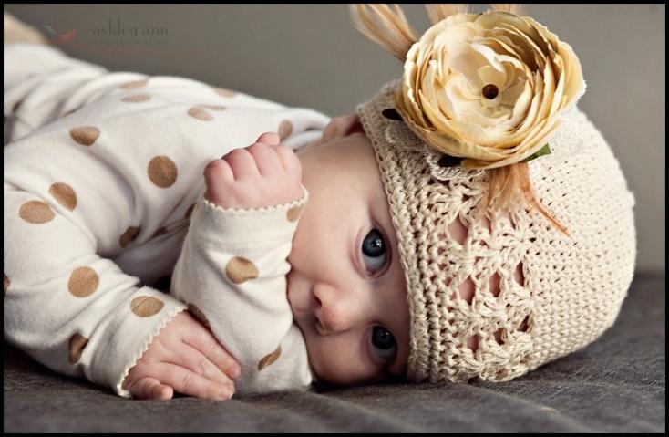 adorableVintage Flower, Flower Pin, Flower Tutorials, Crochet Baby Hats, Paper Flower, Crochet Hats, Flower Clips, Baby Girls, Baby Photography