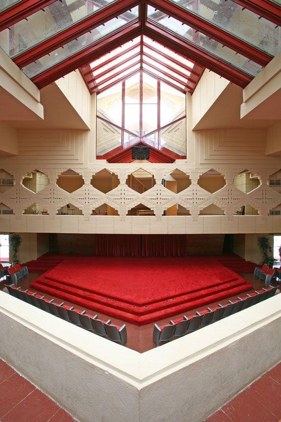 Florida Southern College (Lakeland, FL): Annie Pfeiffer chapel, designed by Frank Lloyd Wright