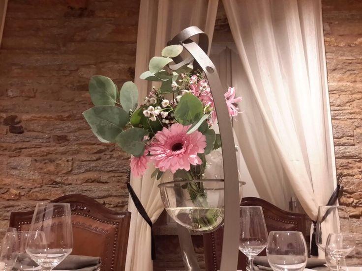 Centros de flor natural Disfruta de nuestras decoraciones incluídas en los Menús de Bautizo