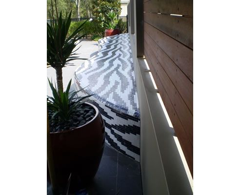 Mosaic Tile Outdoor Seat from MDC Mosaics: http://www.mosaicco.com.au/