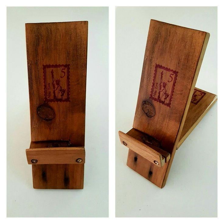 Porta celurares en madera