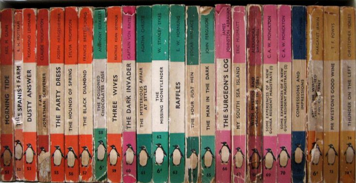 One Hundred Penguin Books: Books Covers, Classic Penguins, Beautiful Quilts, Penguins Covers, Books Spine, Penguin Books, Penguins Diy, Penguins Books, Old Books