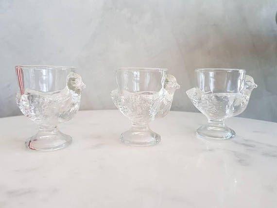 Mira este artículo en mi tienda de Etsy: https://www.etsy.com/es/listing/568814740/vintage-egg-cups-made-in-france-arcoroc
