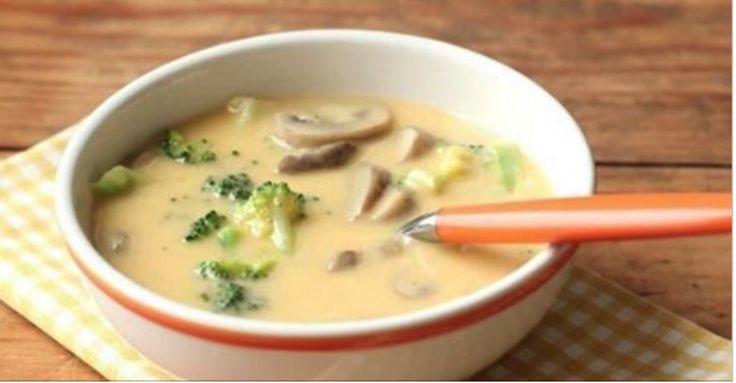 Lahodná syrová polievka s brokolicou a so šampiňónmi, ktorú musíte vyskúšať!