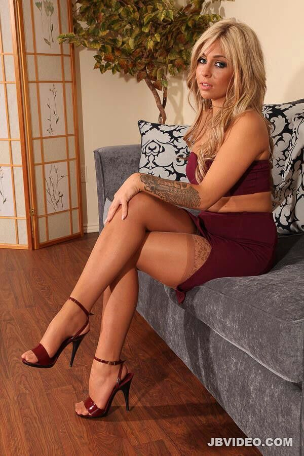 Best 340 Best Sitting Lovely And Classy 18 Images On 400 x 300