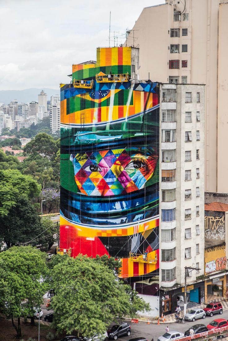 São Paulo • Brasil • KOBRA 's grafitti • Essa semana, a famosa e agitada Avenida Paulista ganhoumais um mural feito por Eduardo Kobra. Kobra, como é conhecido, é um artista que começou como pichador, logo em seguida tornou-se grafiteiro ...