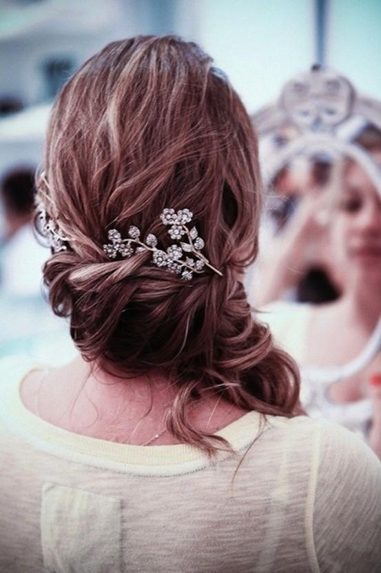 24 - Great Hairstyle with Accessorie