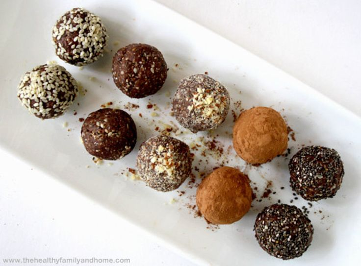 Crunchy Raw Vegan Protein Balls! Cacao, protein powder, Chia, nut butter I would add dates prunes or cherries