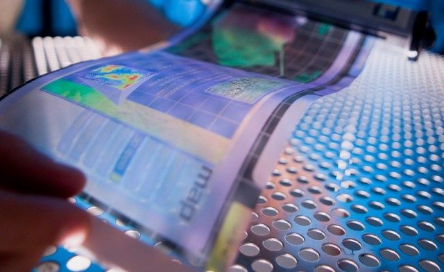 Tel Aviv University: Israeli Scientists Develop The Future Of Flexible Display Screens: Using DNA Nanotechnology - Imagine an electronic screen that looks and feels like paper that could connect to your smartphone. You can shift your longer readings and video viewing to this bendable screen, then roll it up and throw it in your bag when you arrive at your subway stop.