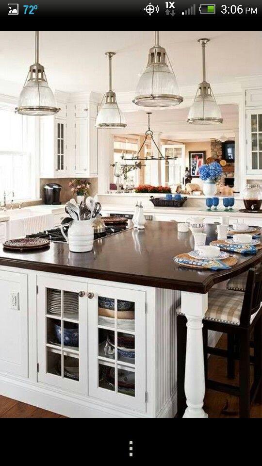 Laden Sie Die Naturmaterialien In Ihrer Küche Ein, Indem Sie Die  Küchenarbeitsplatte Aus Holz Einrichten. Sie Haben Die Freie Wahl Unter  Verschiedenen