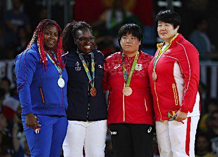 表彰台の山部ら :フォトニュース - リオ五輪・パラリンピック 2016:時事ドットコム