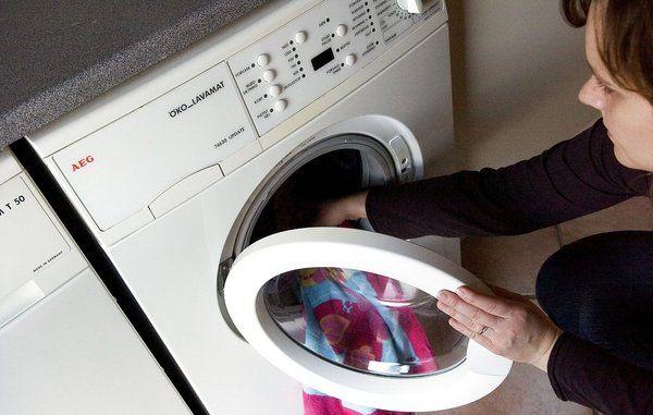 Så dumt er det at dosere vaskemidlet på øjemål
